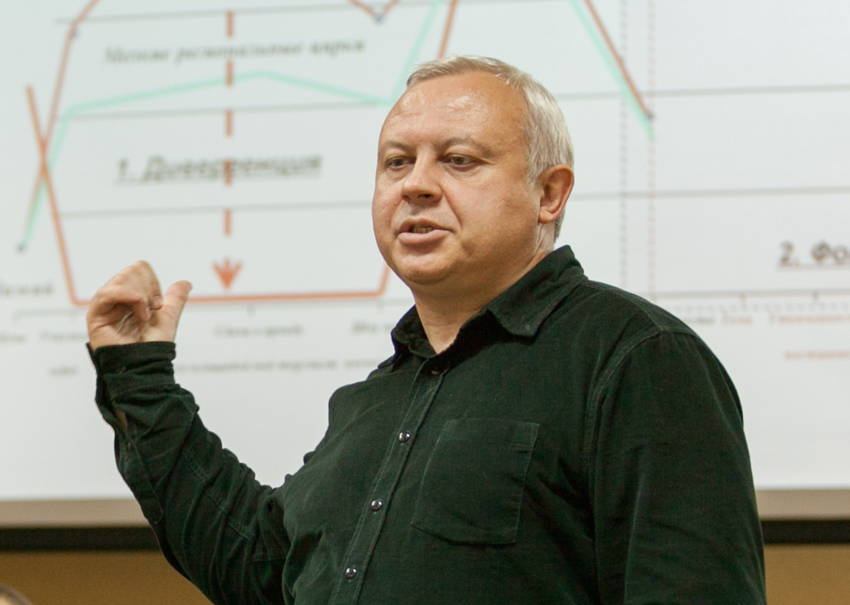 Михаил Антропов