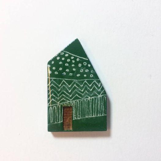 """Архитектурная новогодняя брошь """"Предновогоднее настроение"""". Дерево, акрил. Ручная работа"""