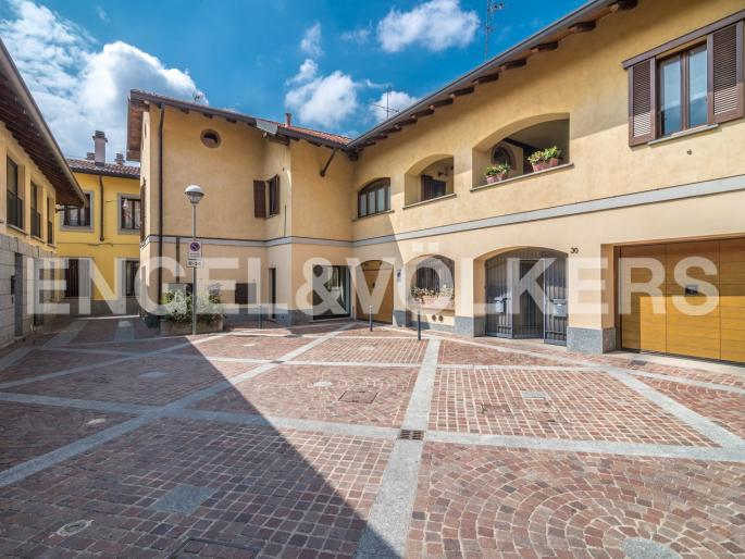Detached house in Seregno center
