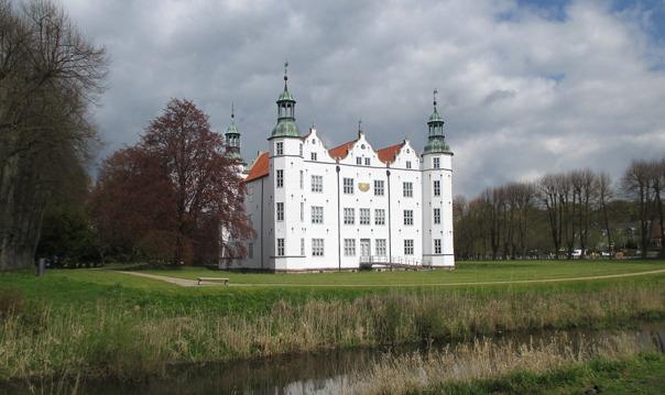 Замок Аренсбург