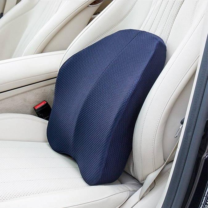 Coussin lombaire sur un siège de voiture