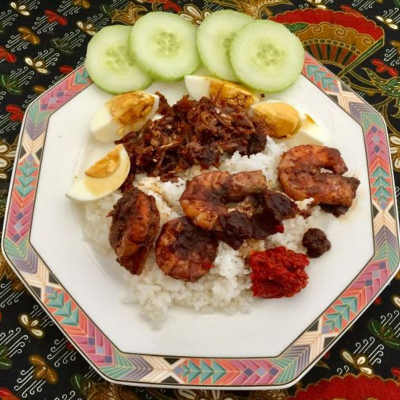 Delicious home-made nasi lemak !!