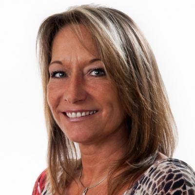 Lizette Desgroseilliers  Real estate agent RE/MAX Platine