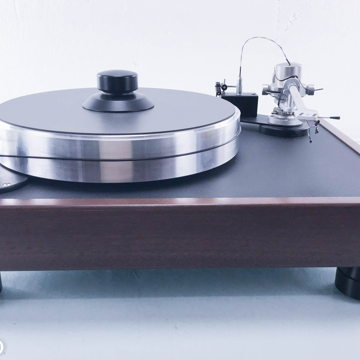 Classic 1 Turntable in Walnut