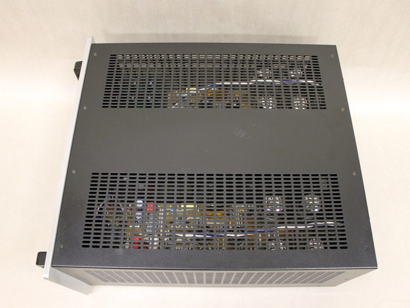 Audio Research Reference 110 Tube Amplifier, Silver w/Black Handles