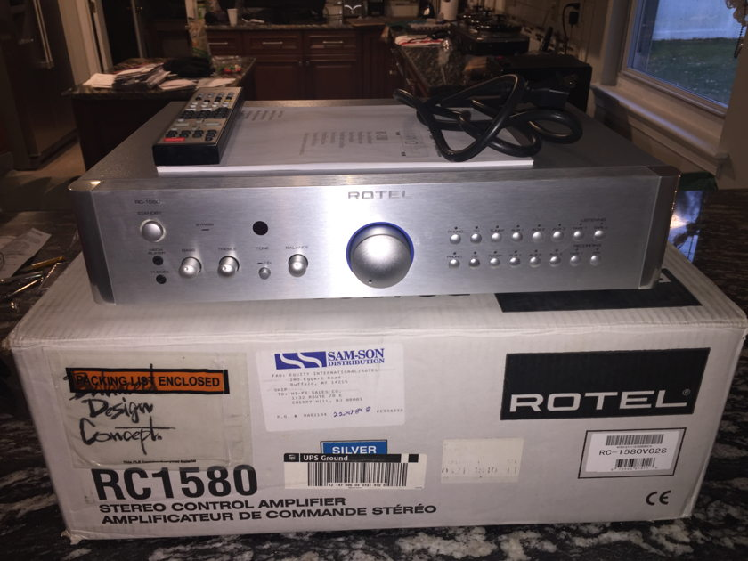 Rotel RC-1580 PREAMPLIFIER/SILVER/NICE!!!