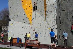 bester geburtstagde kletterzentrum frankfurt am main dav kletterwand außenwand sonnenschein