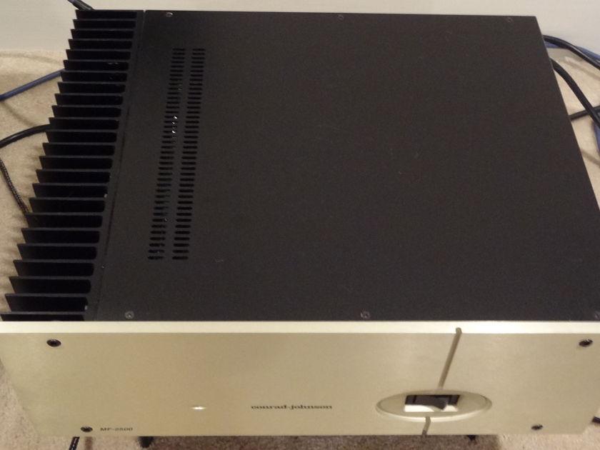 Conrad Johnson Amplifier MF-2500 240 WPC