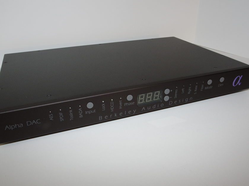 Berkeley Audio Design  Alpha DAC Series 2 Excellent