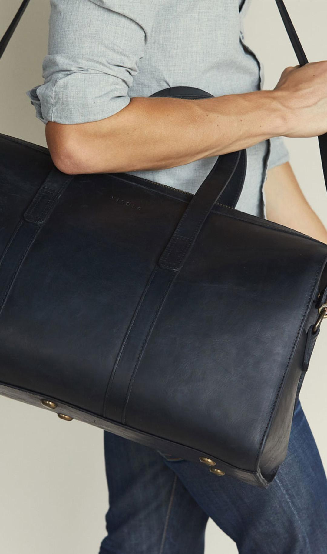 Nisolo Black Leather Weekender Bag