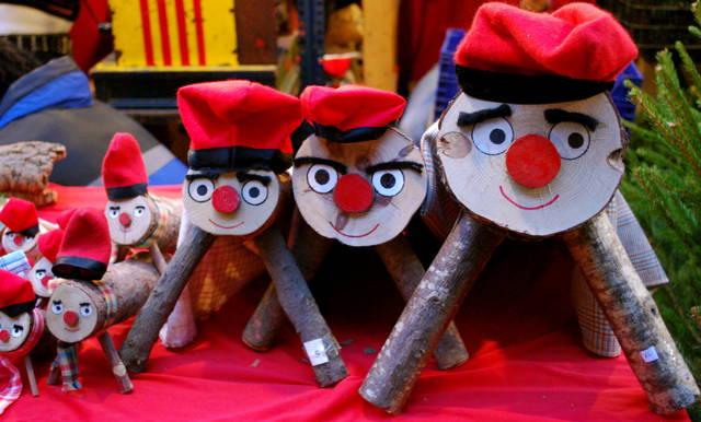 Weird Christmas Traditions Caga Tío