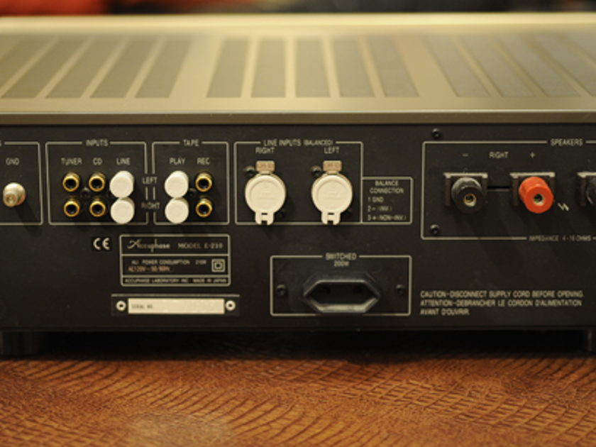 Accuphase E-210 Integrated Amplifier