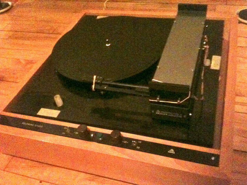 Goldmund Linear Tonearm  T3 from studio turntable no controller
