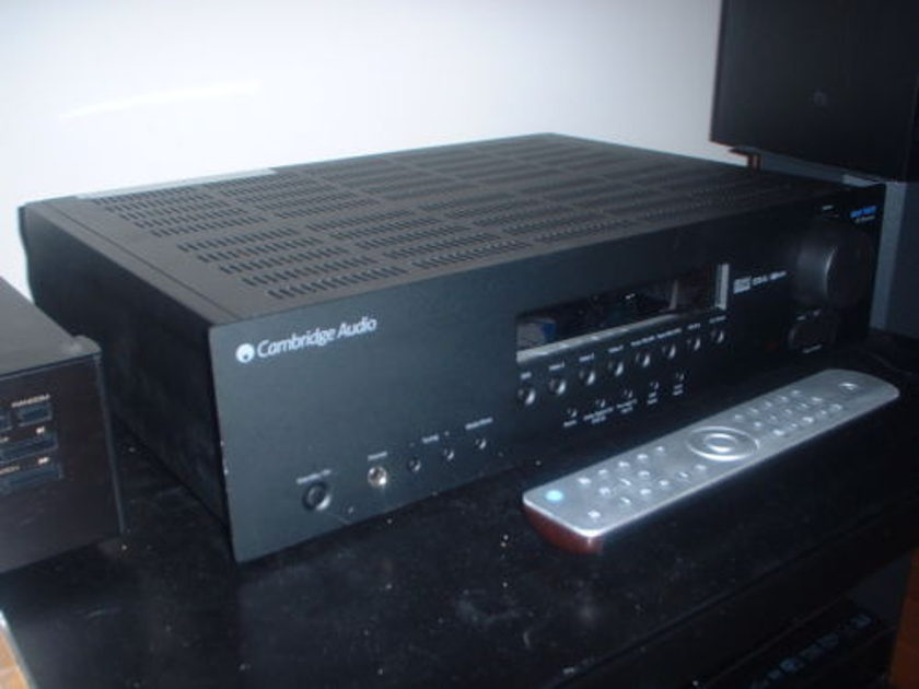 Cambridge Audio  Azur 540R v.2  AV Receiver with remote and box