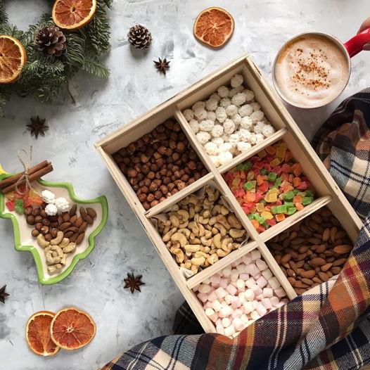 Ящи к со сладостями и орехами