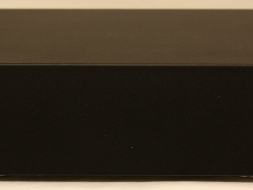 Musical Fidelity M1DAC D/A Convertor with Asynchronous USB Input.