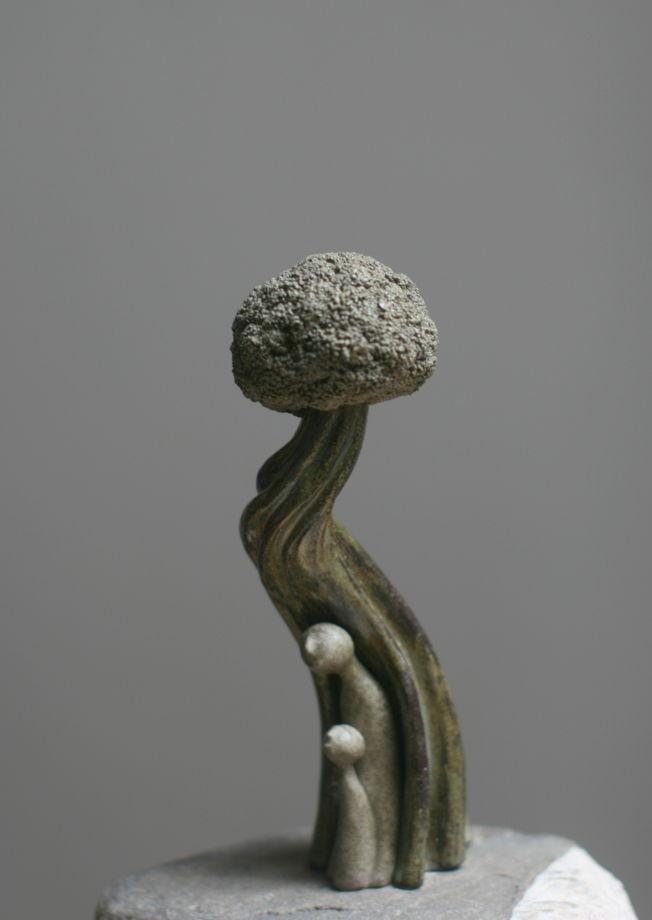 Керамическая скульптура. Статуэтка. Зелёное дерево