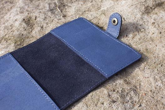 """Темно-синяя обложка для паспорта, из натуральной кожи, с отделениями для карт, на застежке """"Индиго"""""""