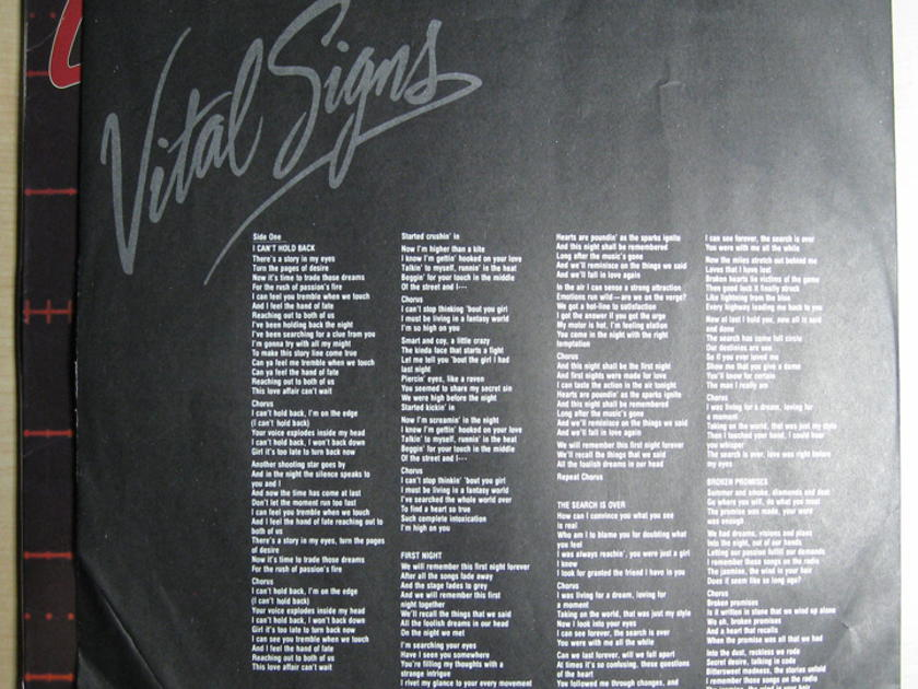 Survivor - Vital Signs - 1984 Scotti Bros. Records FZ 39578