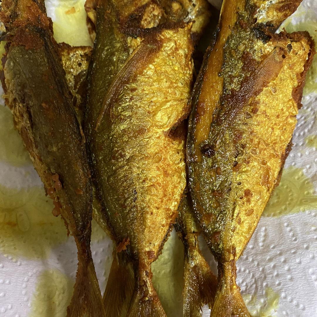Fried turmeric ikan kuning