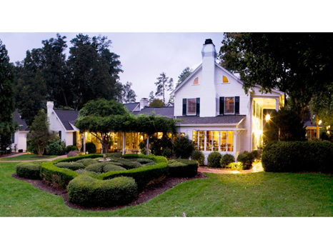 Overnight Stay at Fearrington Inn (Pittsboro)