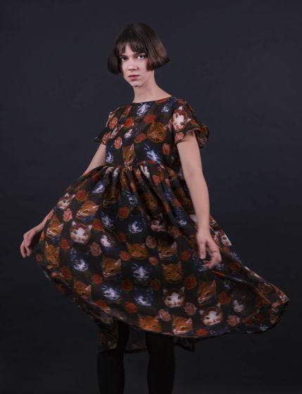 Легкое платье с кошками