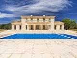 Villa for sale in the style of a French country house (Santa Maria)