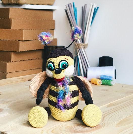 """вязанная пчела """"Медок"""""""