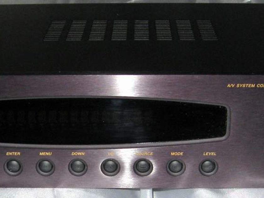B&K Components Reference 10 preamplifier only no tuner