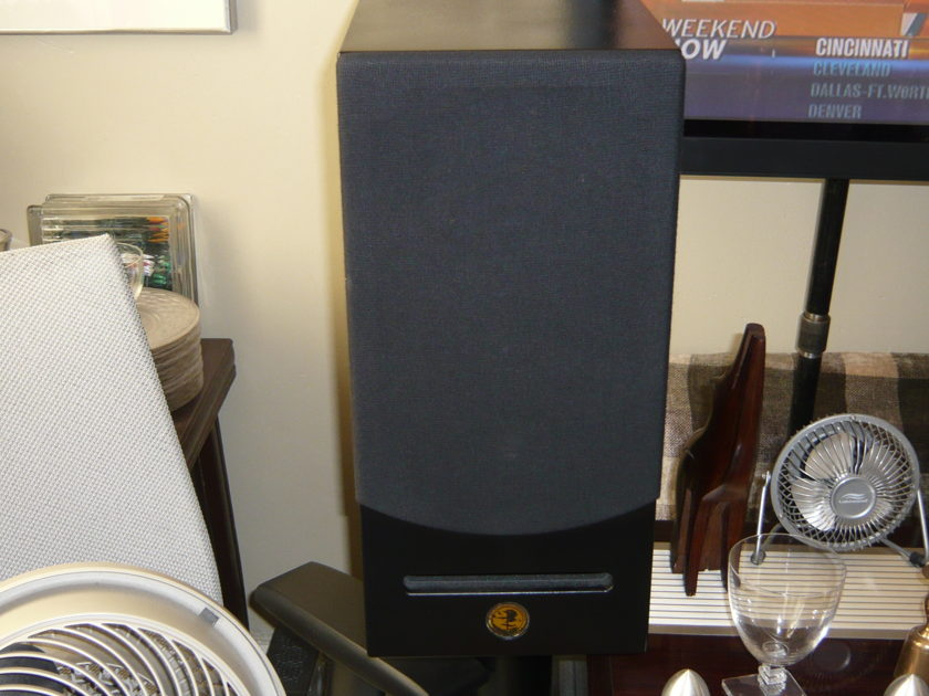 Escalante  Juniper Mk I Excellent Nearfield Monitor