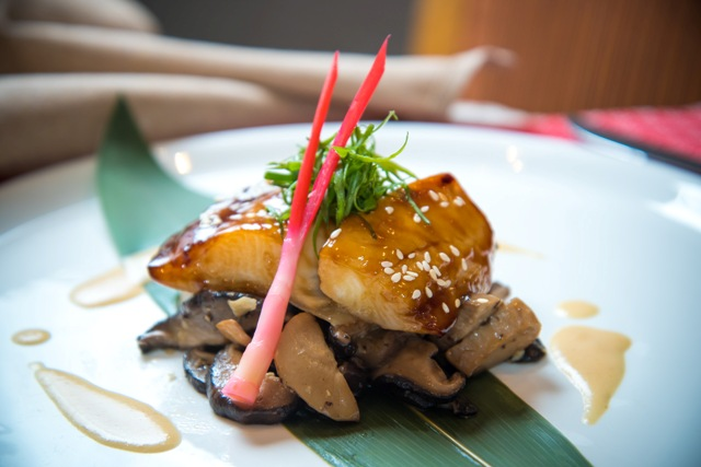 日式燒比目魚伴燴大根及青蔥絲配味噌忌廉汁.jpg