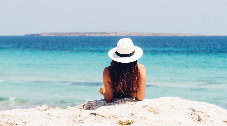 YOUR HAIR'S BEACH SURVIVAL GUIDE