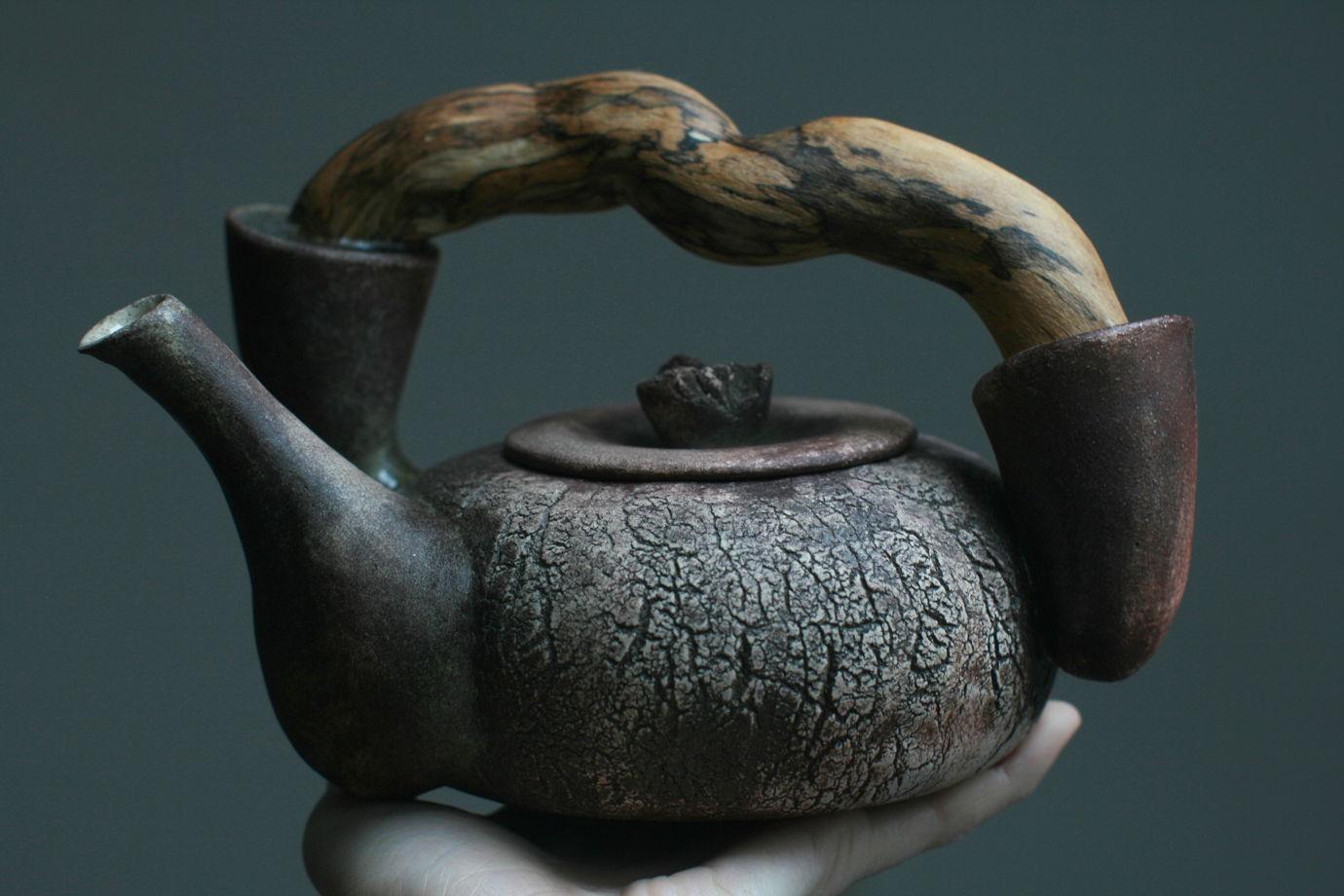 Керамический чайник. Земля