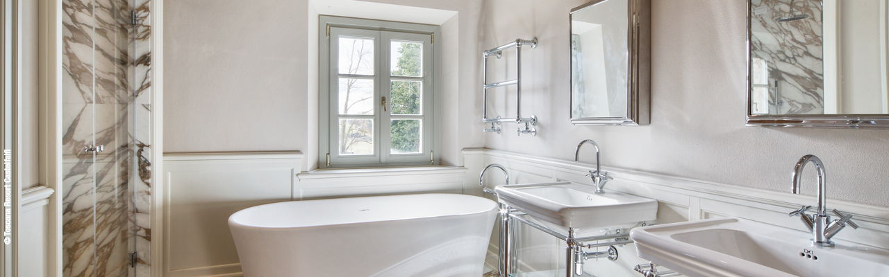 Hamburg - According to individual wishes planned, completely renovated bathroom in romantic old farmhouse in the midst of beautiful nature in the Toscana Resort Castelfalfi.