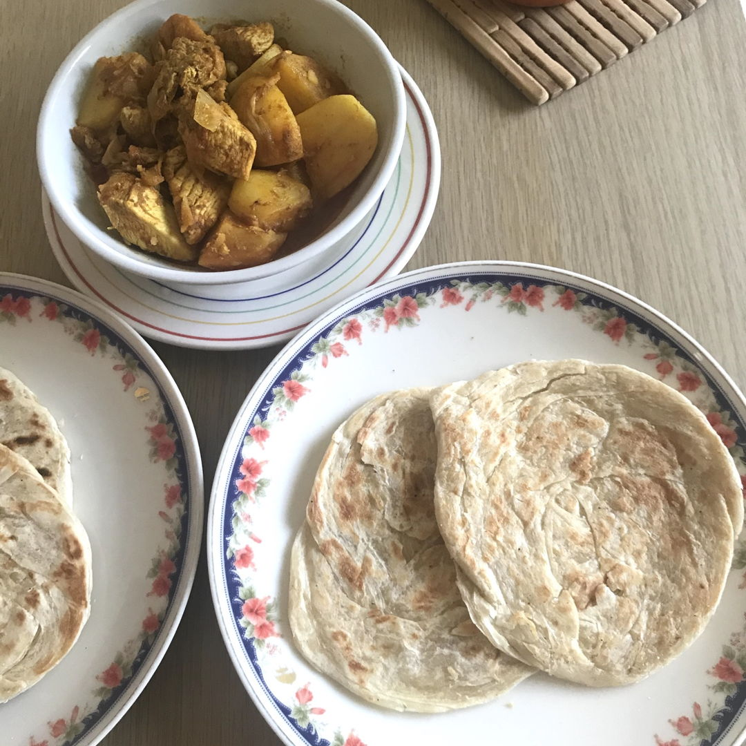 Roti canai & curry chicken for lunch. Awesome 👍🏻Thanks for the recipe NC!