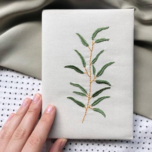 """Скетчбук ручной работы с вышивкой """"Веточка оливы"""", формат А6"""
