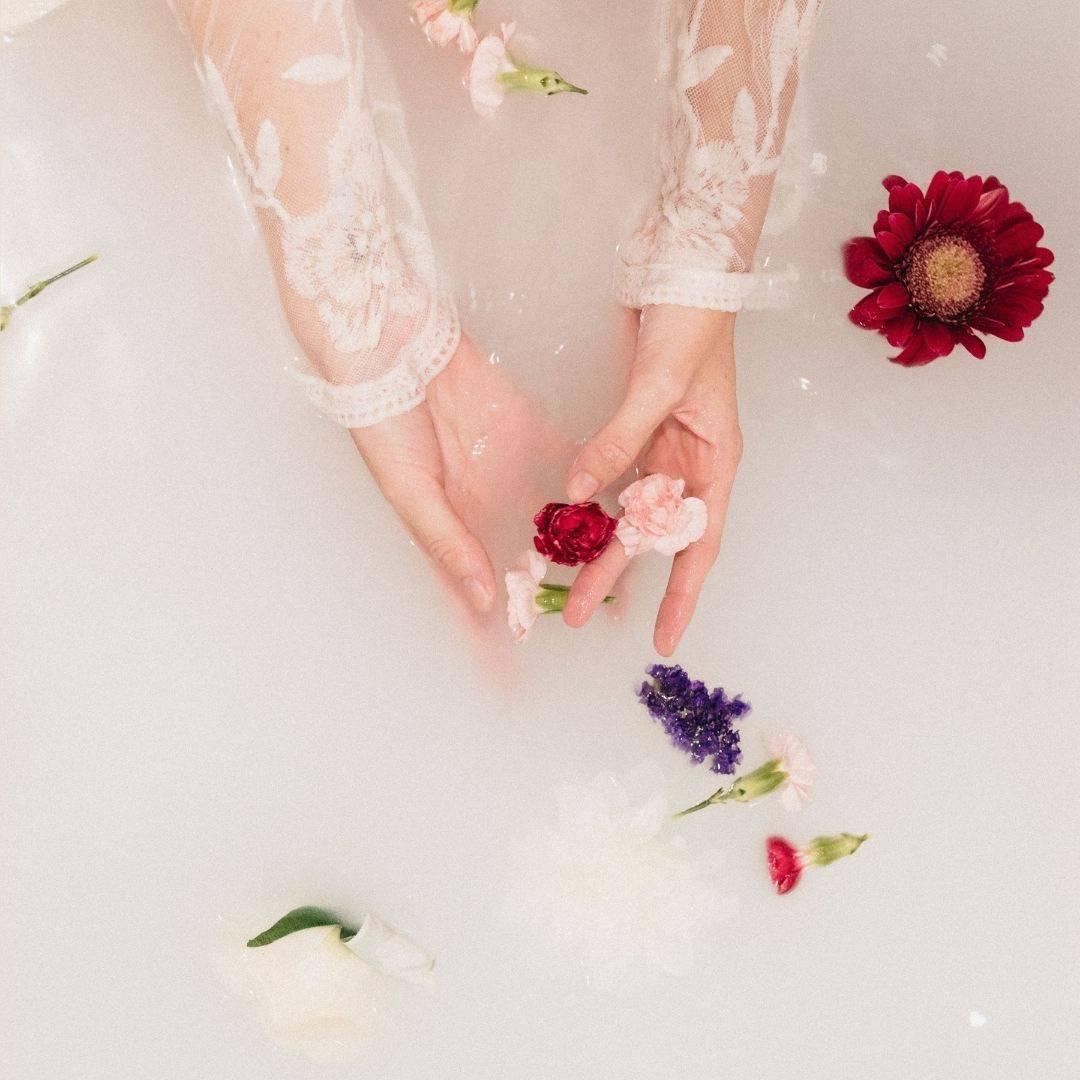 Milk Bath Brew Pocket in bath