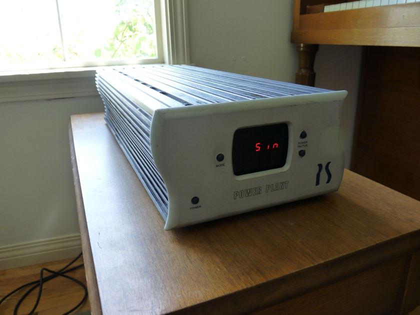 PS Audio P300  Power Plant