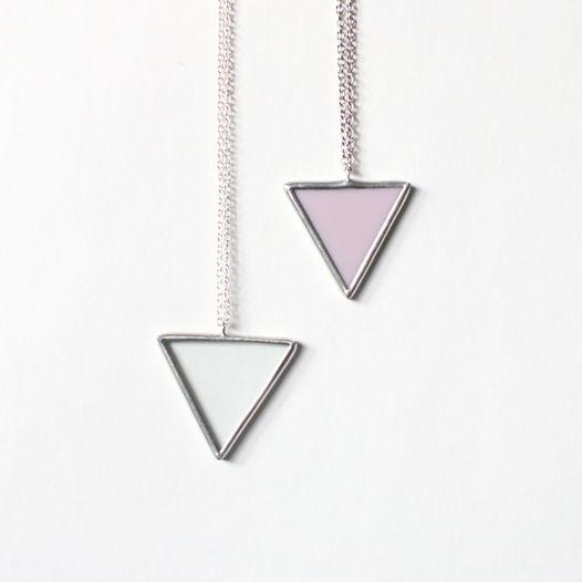 "Кулон ""Треугольник"" из стекла"