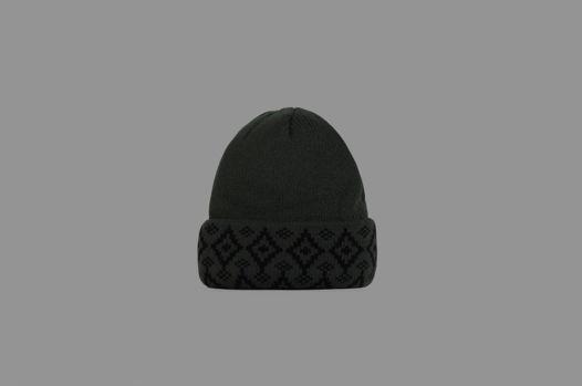 Тёмно зеленая шапка из шерсти