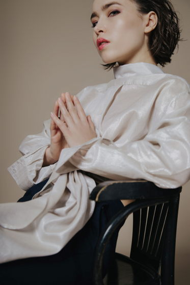 Блуза сияющего цвета