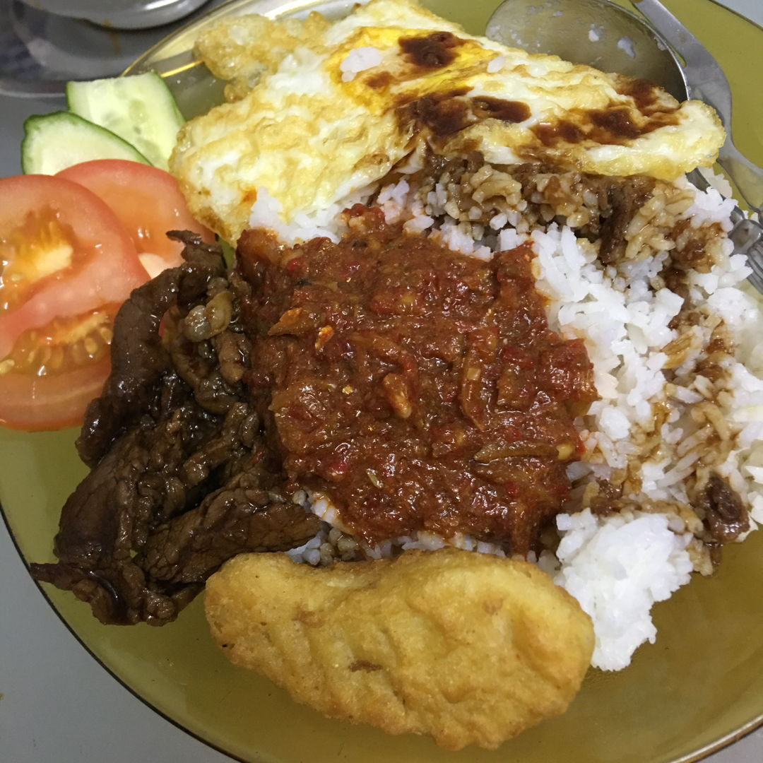 3rd April, 2020 - MCO day 17, nasi lemak. I missed it even right after I filled them in my tummy. ;9