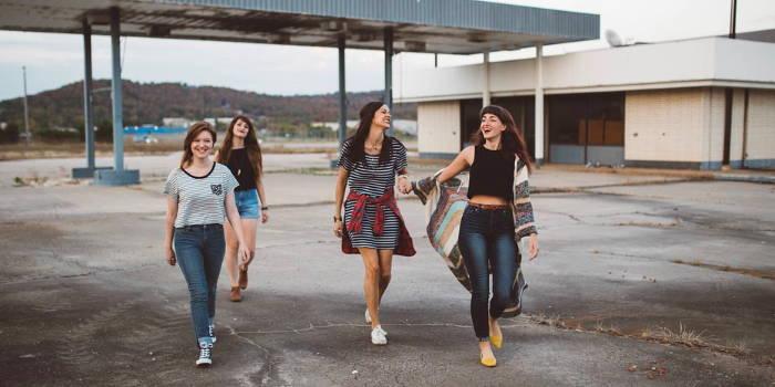 4 forskellige unge kvinder, der måske en dag kunne investere.