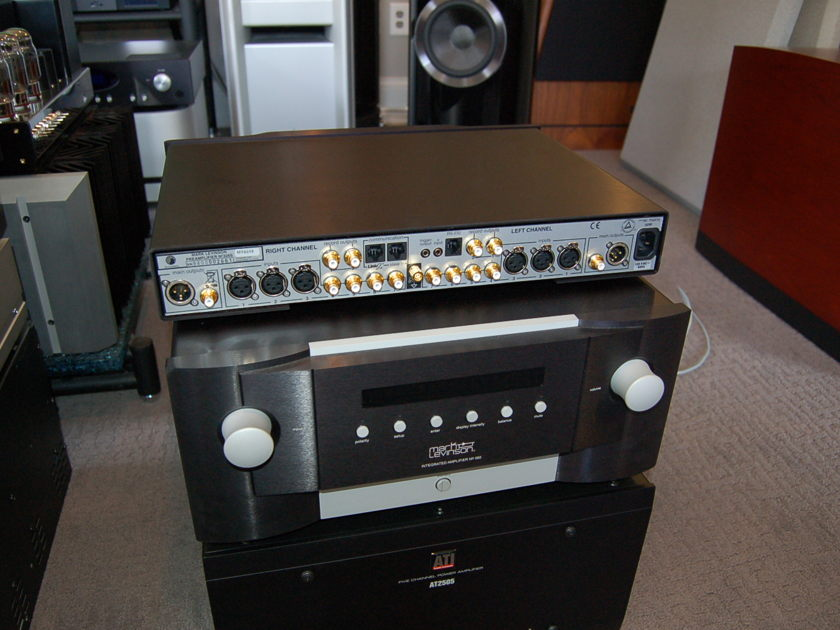 Mark Levinson No 326s Like New ! Reference Pre Levinson