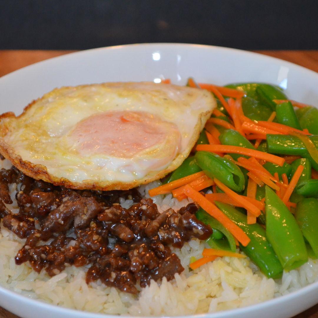 Date: 31 Mar 2020 (Tue) 96th Main: Beef Bibimbap Rice Bowl [293] [158.4%] [Score: 10.0] Cuisine: Asian Dish Type: Main