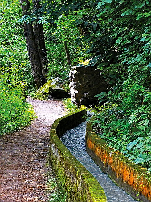 Merano - The Waalweg trail in Lagundo