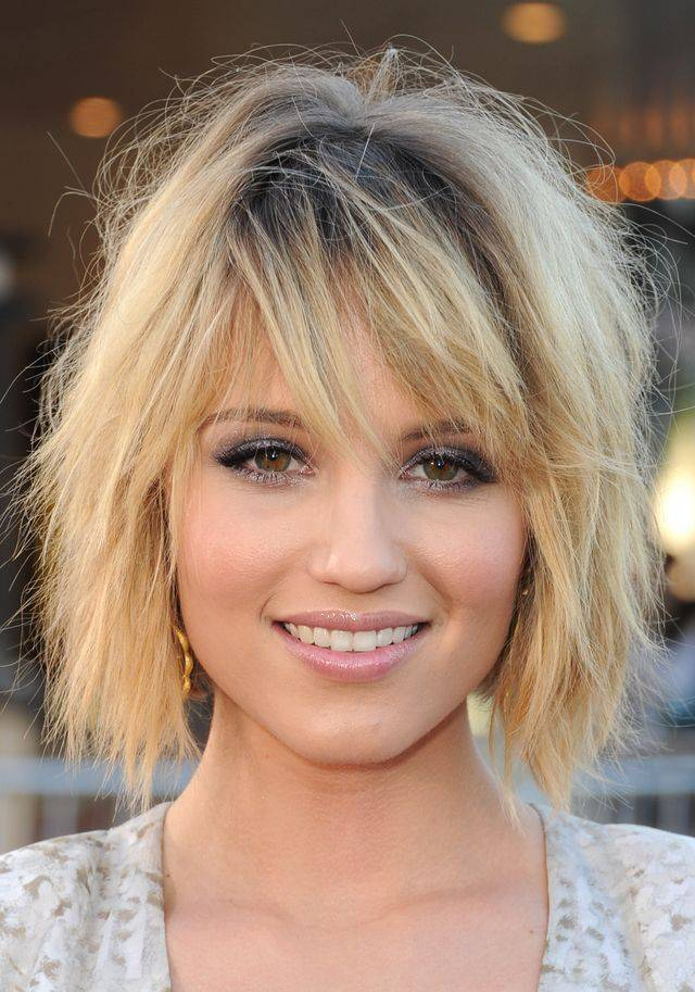 Dianna Agron mid-length layered haircut