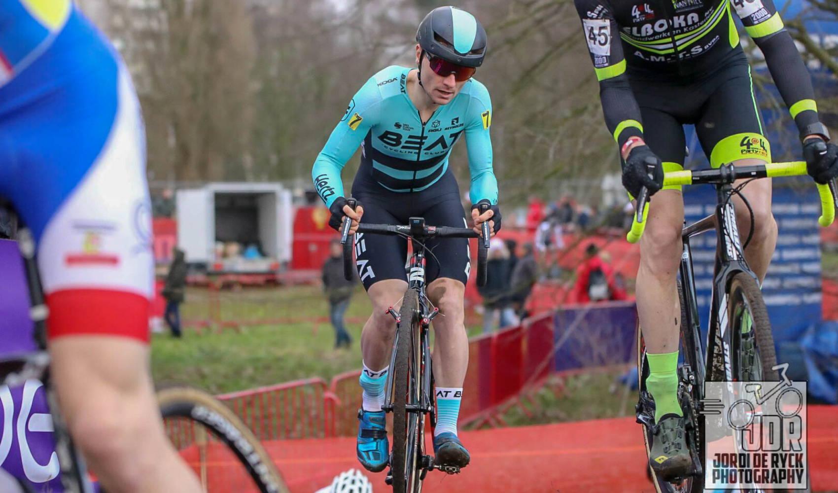 Yves Coolen van BEAT Cycling Club tijdens het BK Veldrijden in Antwerpen op 12 januari 2020