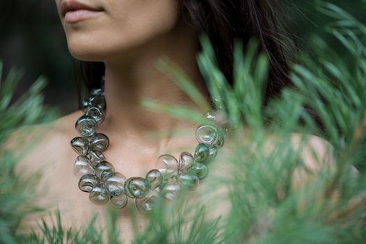 """Ожерелье из стеклянных бусин """"Фельдграу"""""""