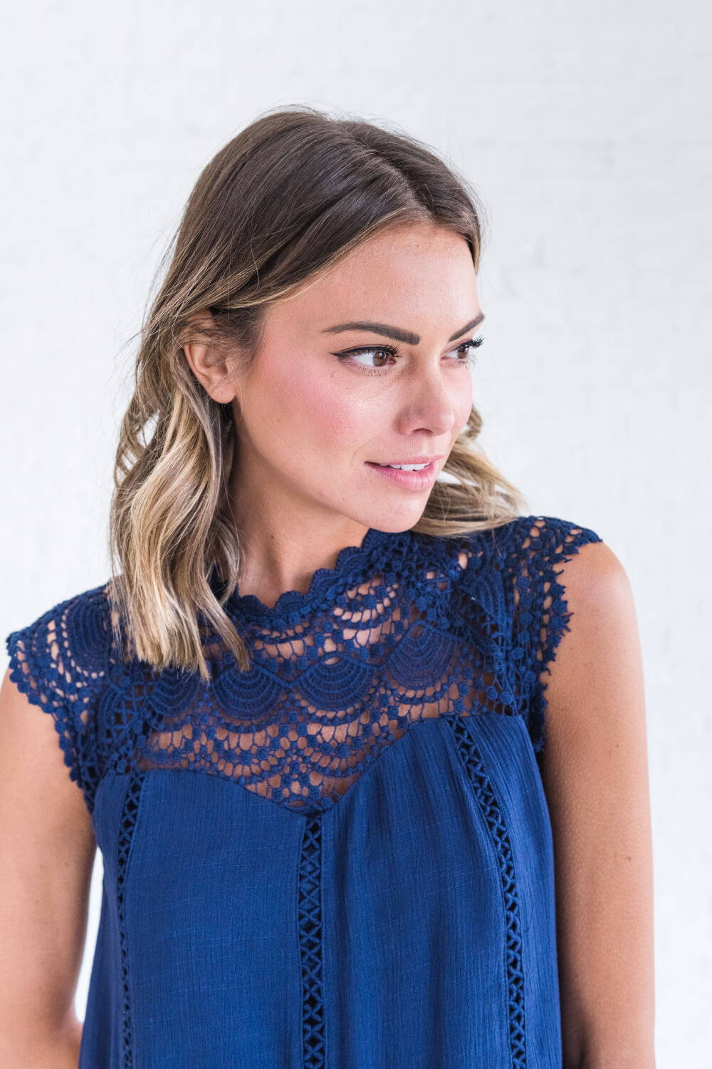 Summer Reading List 2018 navy crochet top
